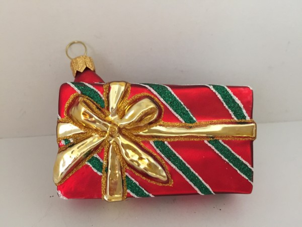 Geschenkpäckli grün/rot gestreift mit goldenem Band