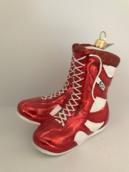 Paar Box Schuhe