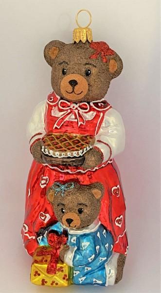 Bärenmama hat einen feinen Kuchen gebacken