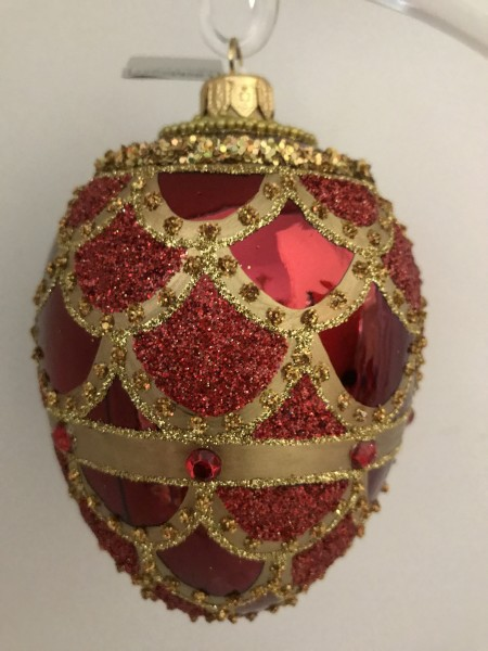 Rotes Faberge-Ei mit goldenem Barock Muster, rot Steine