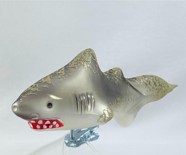 Bissiger Haifisch auf Clip